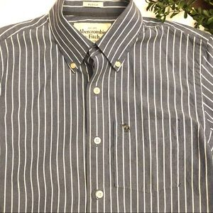 Abercrombie & Fitch muscle blue striped small